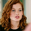 Jane_Levy_in_Suburgatory_Season_1_(261)