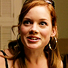Jane_Levy_in_Suburgatory_Season_1_(68)