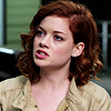 Jane_Levy_in_Suburgatory_Season_1_(1115)