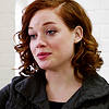 Jane_Levy_in_Suburgatory_Season_1_(1126)